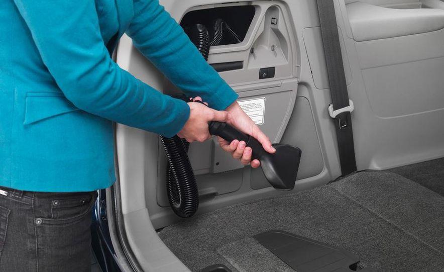 2014 Honda Odyssey Touring Elite - Slide 22