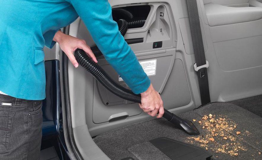 2014 Honda Odyssey Touring Elite - Slide 23