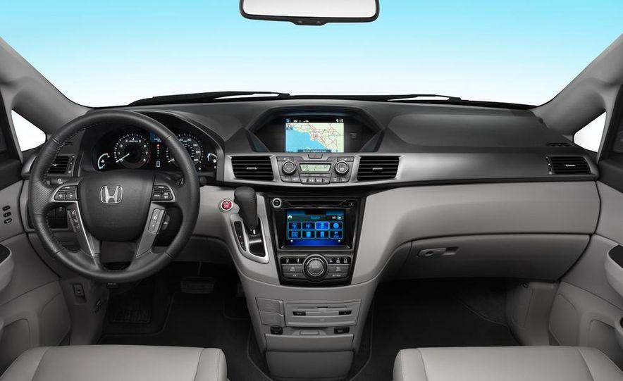 2014 Honda Odyssey Touring Elite - Slide 21