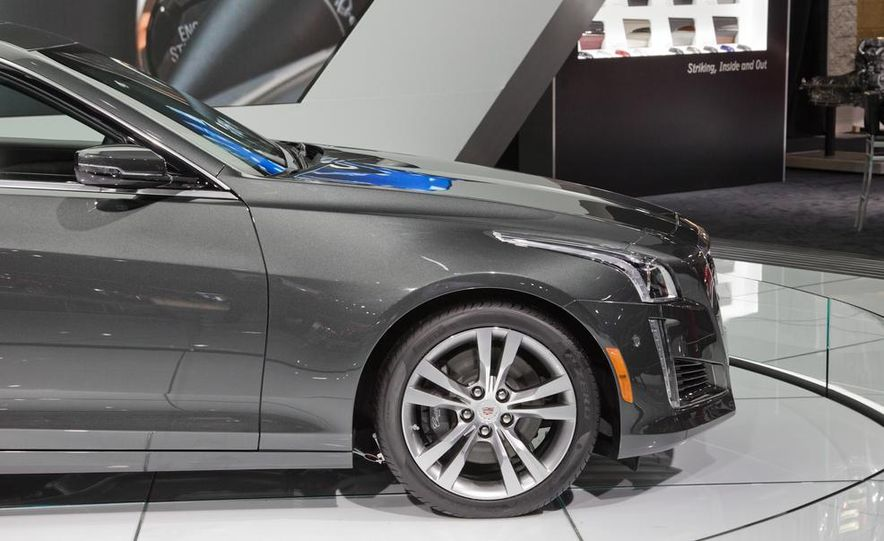 2014 Cadillac CTS Vsport - Slide 17