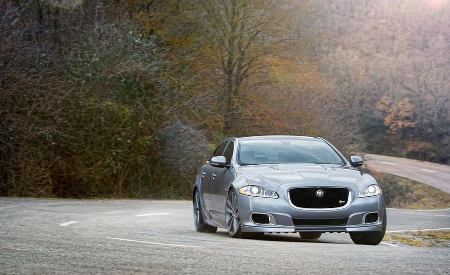 2014 Jaguar XJR - Slide 15