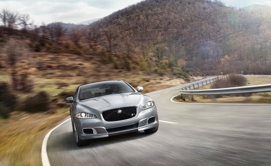 2014 Jaguar XJR - Slide 17