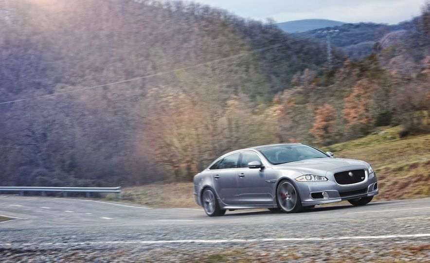 2014 Jaguar XJR - Slide 18