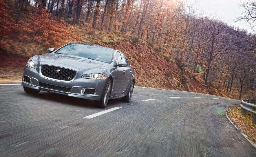 2014 Jaguar XJR - Slide 19