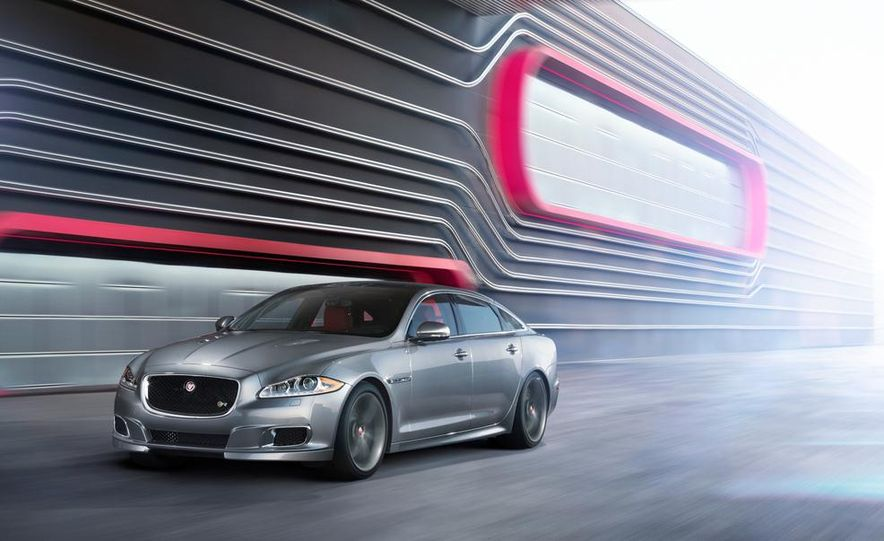 2014 Jaguar XJR - Slide 21