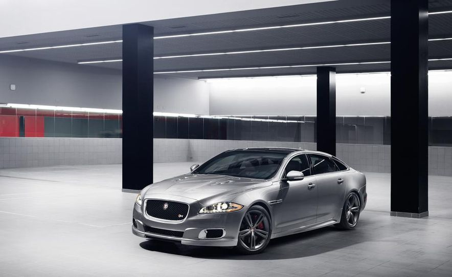 2014 Jaguar XJR - Slide 24