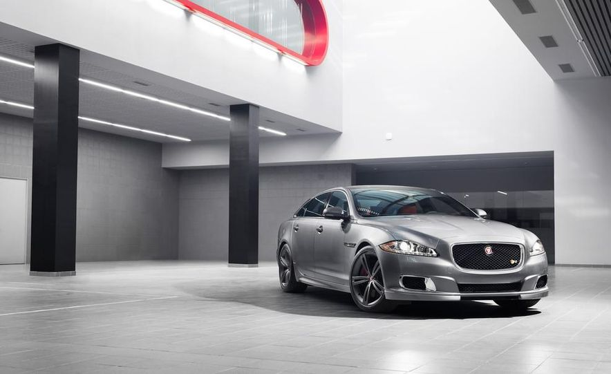 2014 Jaguar XJR - Slide 25