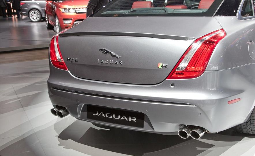 2014 Jaguar XJR - Slide 9