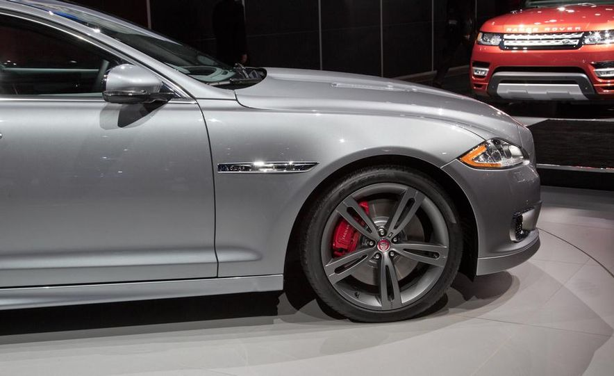2014 Jaguar XJR - Slide 11