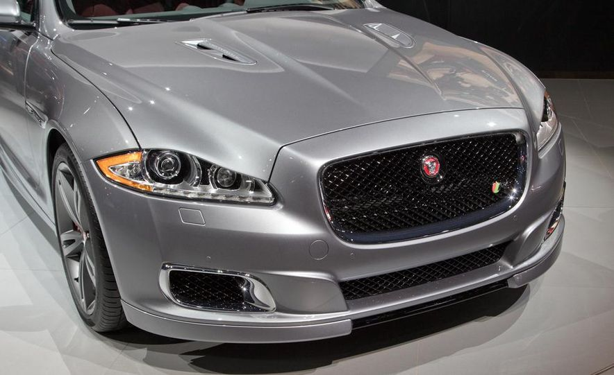 2014 Jaguar XJR - Slide 13