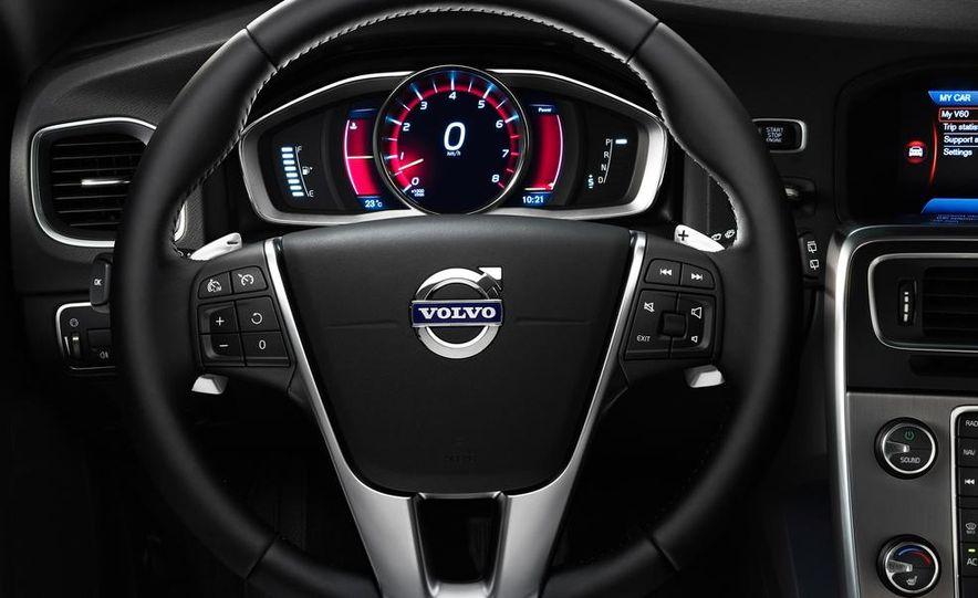 2015 Volvo V60 - Slide 7