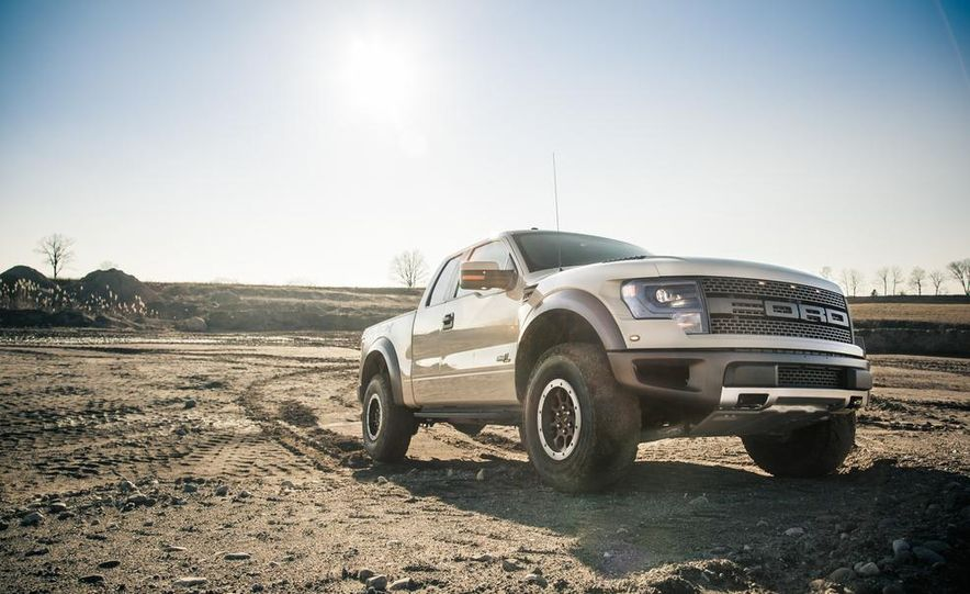 2013 Ford F-150 SVT Raptor SuperCab - Slide 24