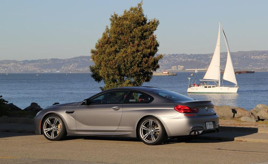 2013 BMW M6 coupe - Slide 3
