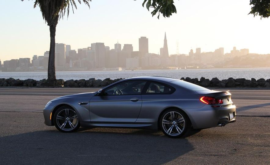 2013 BMW M6 coupe - Slide 16