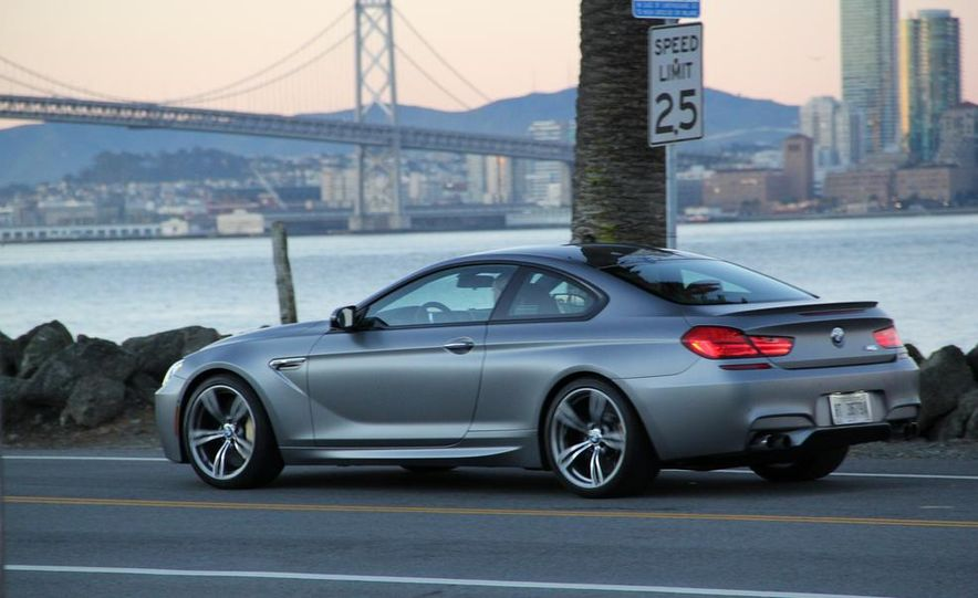 2013 BMW M6 coupe - Slide 22