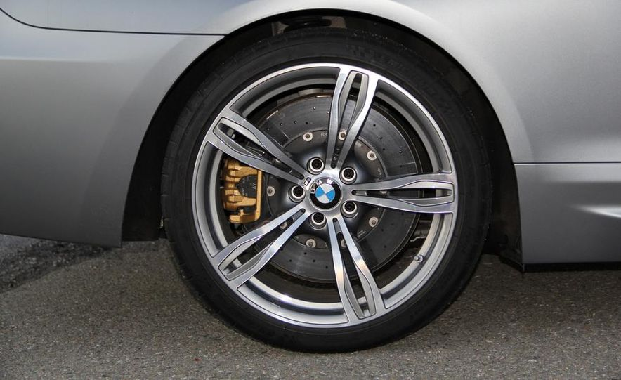 2013 BMW M6 coupe - Slide 35