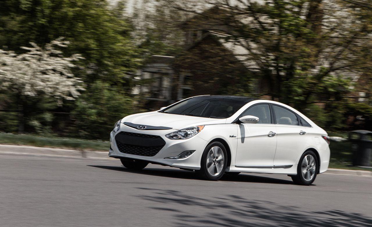 2013 Hyundai Sonata Hybrid Test Review Car And Driver