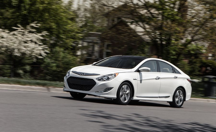 2013 hyundai sonata hybrid test review car and driver. Black Bedroom Furniture Sets. Home Design Ideas