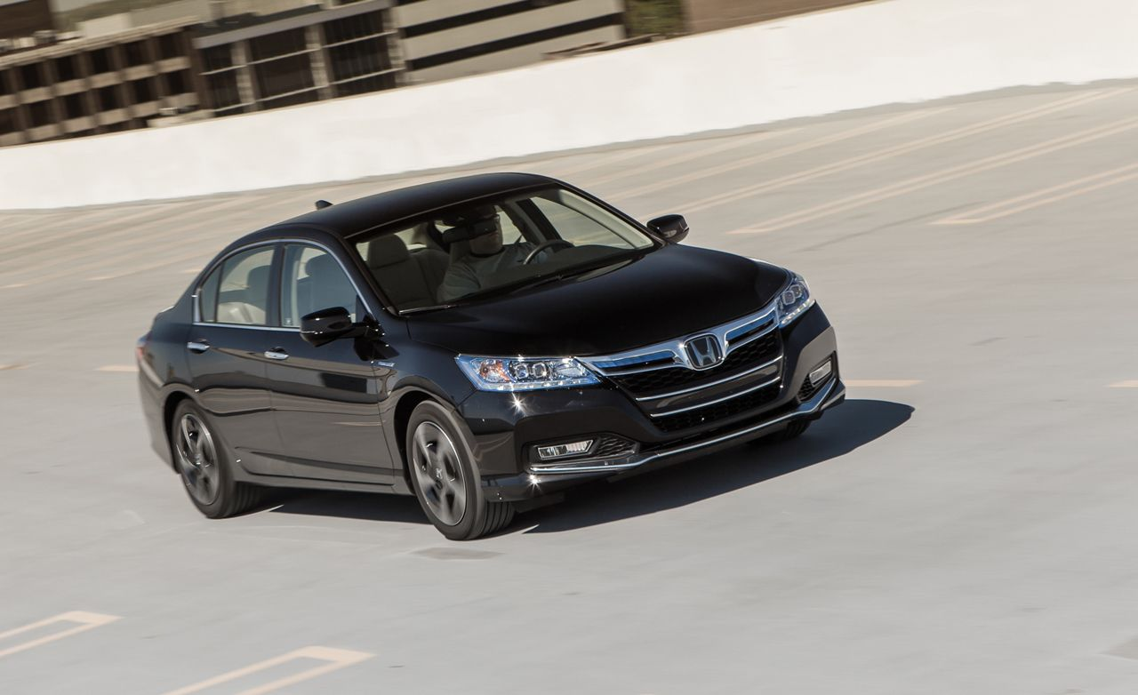 2012 Toyota Camry Hybrid Test Review Car And Driver