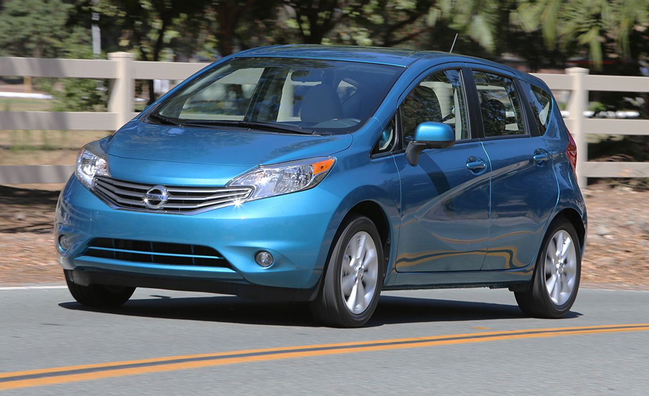 2014 nissan versa note hatchback first drive review car and driver. Black Bedroom Furniture Sets. Home Design Ideas