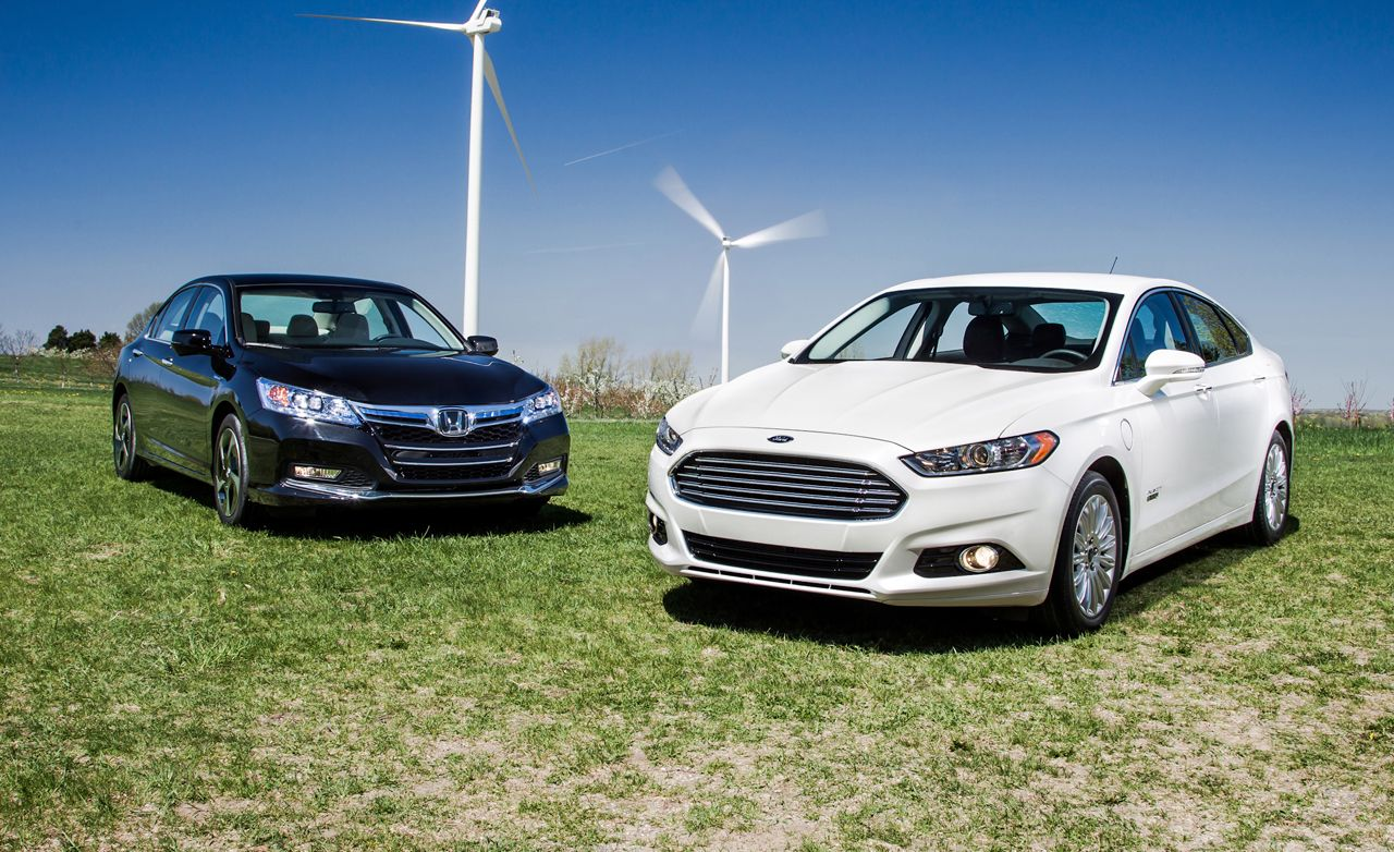 2017 Ford Fusion Energi Anium Vs Honda Accord Plug In Hybrid 8211 Comparison Test Car And Driver