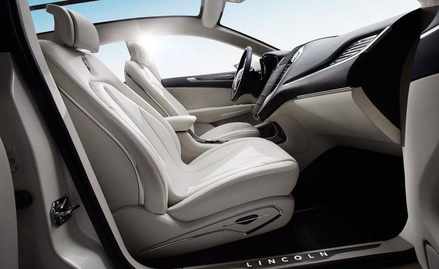 2014 Lincoln MKC - Slide 16
