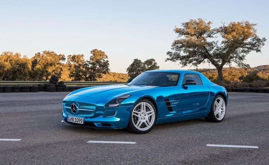 2014 Mercedes-Benz SLS AMG Electric Drive - Slide 13