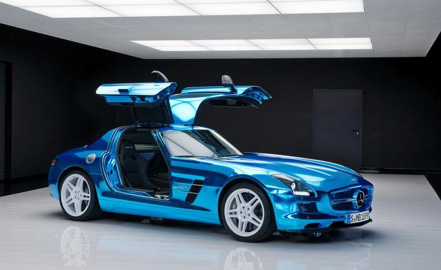 2014 Mercedes-Benz SLS AMG Electric Drive - Slide 19