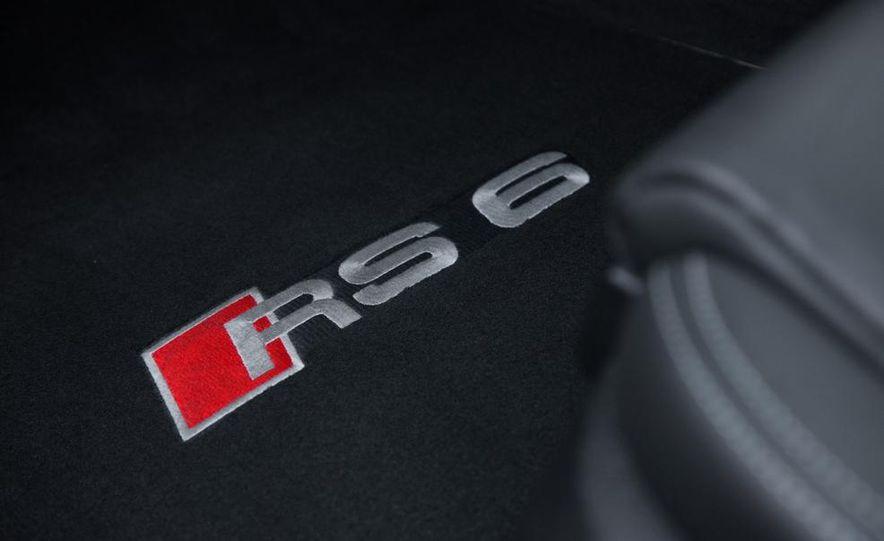 2013 Audi RS6 Avant - Slide 41