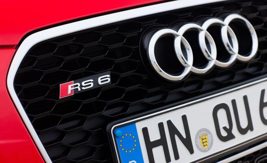 2013 Audi RS6 Avant - Slide 21