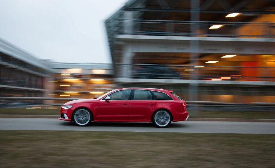 2013 Audi RS6 Avant - Slide 10