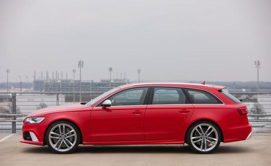 2013 Audi RS6 Avant - Slide 12