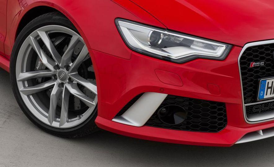 2013 Audi RS6 Avant - Slide 18