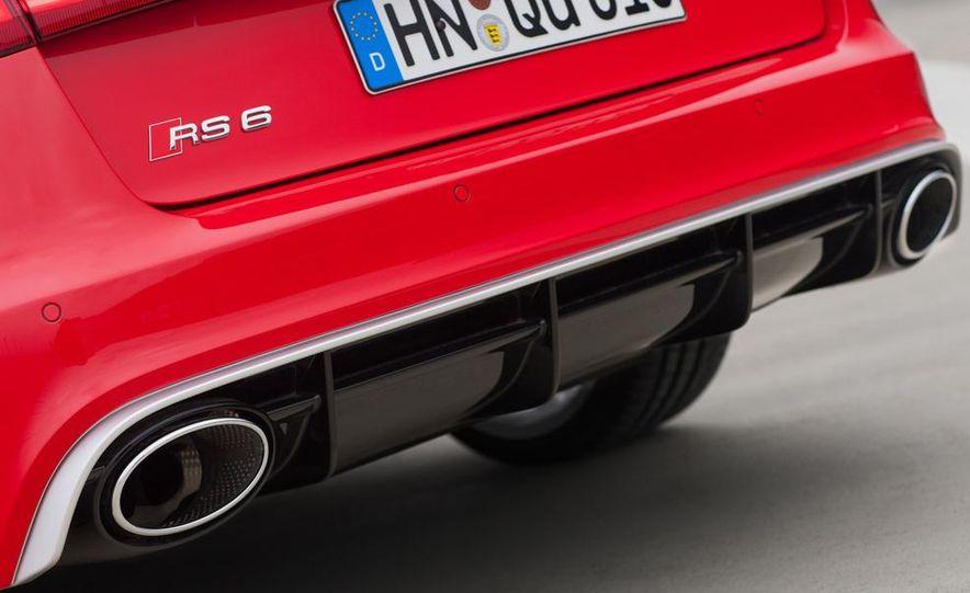 2013 Audi RS6 Avant - Slide 25