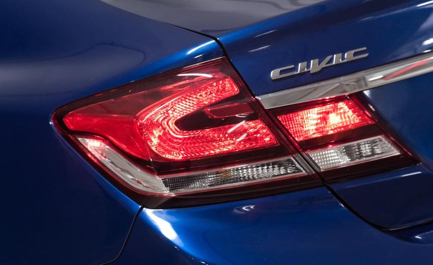 2013 Honda Civic EX-L - Slide 19