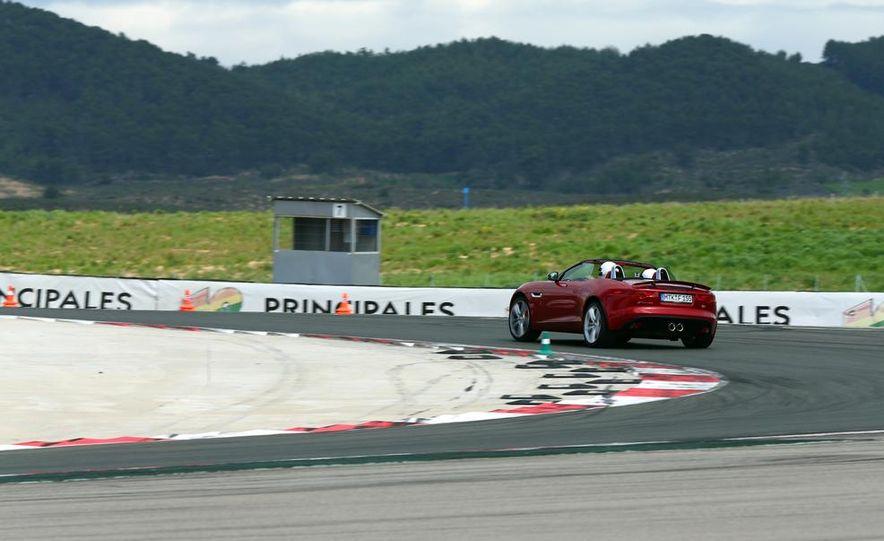2014 Jaguar F-type V6 S roadster - Slide 5