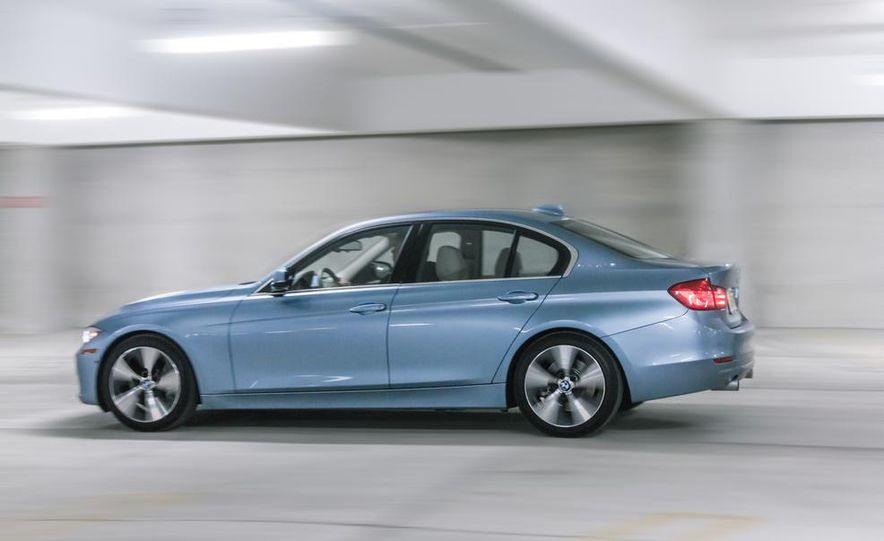 2013 BMW ActiveHybrid 3 - Slide 4