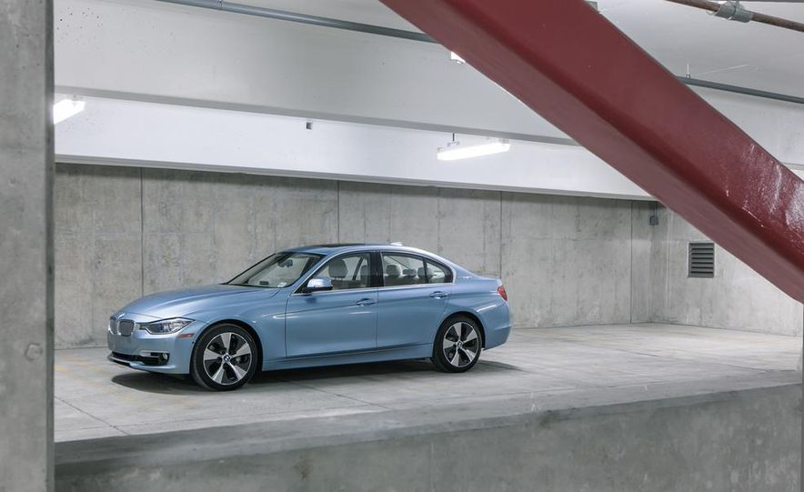 2013 BMW ActiveHybrid 3 - Slide 5