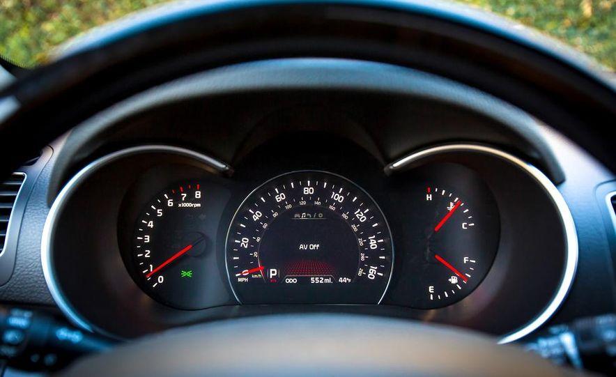 2014 Kia Sorento SX V-6 AWD - Slide 21