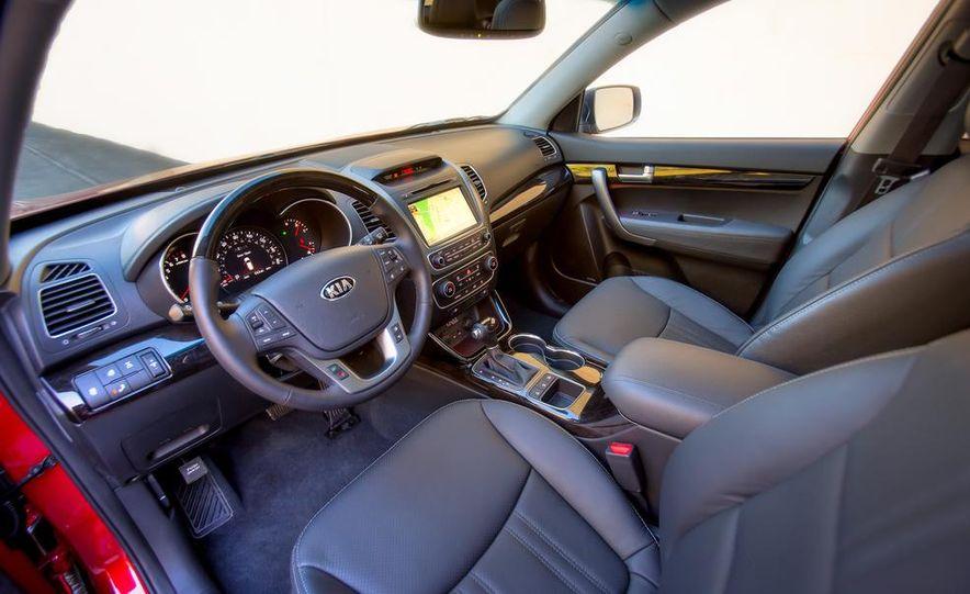 2014 Kia Sorento SX V-6 AWD - Slide 18