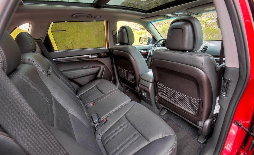 2014 Kia Sorento SX V-6 AWD - Slide 19