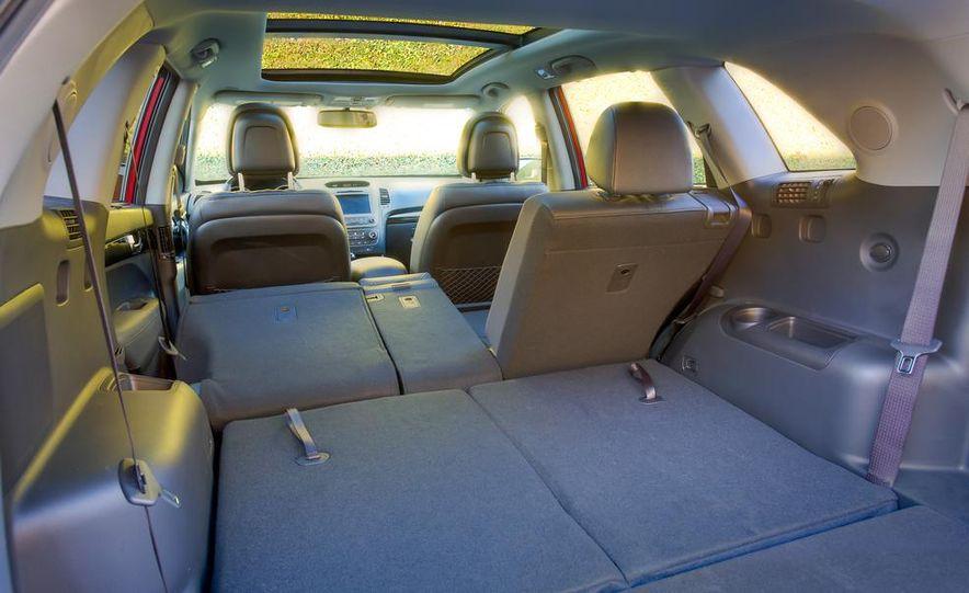 2014 Kia Sorento SX V-6 AWD - Slide 20