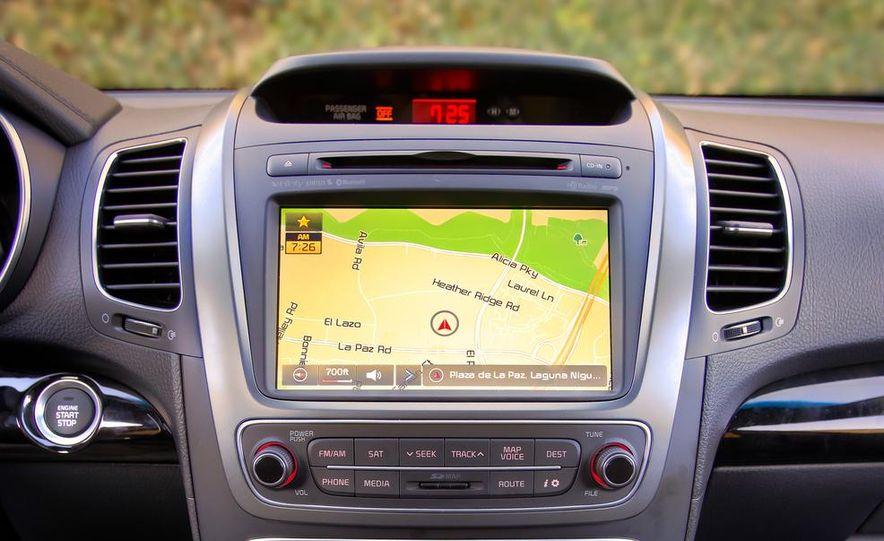 2014 Kia Sorento SX V-6 AWD - Slide 22