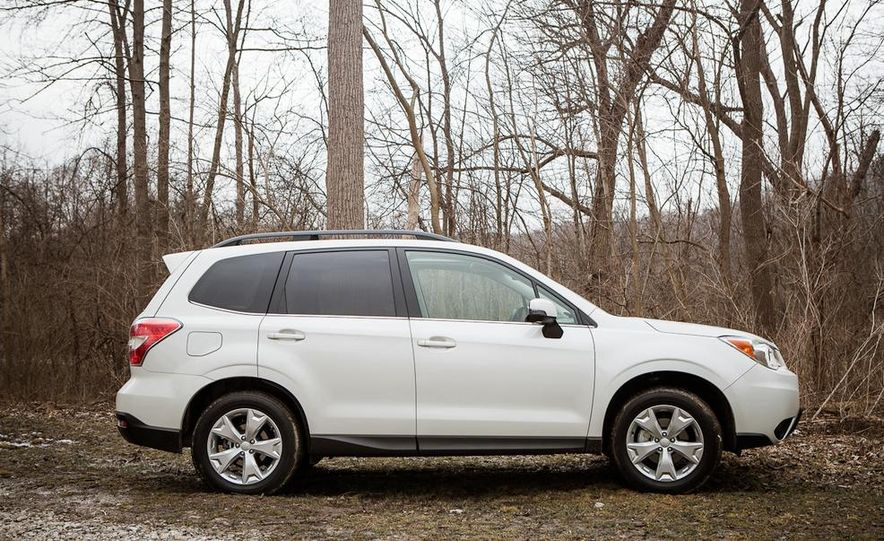 2014 Subaru Forester 2.5i Touring AWD - Slide 9