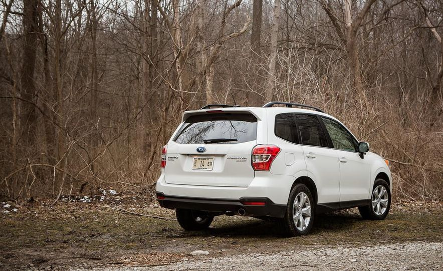 2014 Subaru Forester 2.5i Touring AWD - Slide 10