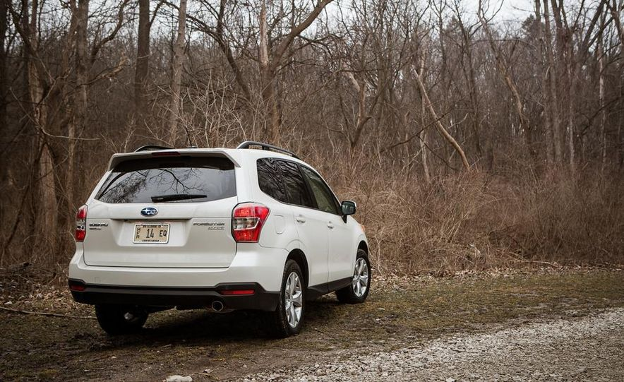 2014 Subaru Forester 2.5i Touring AWD - Slide 11