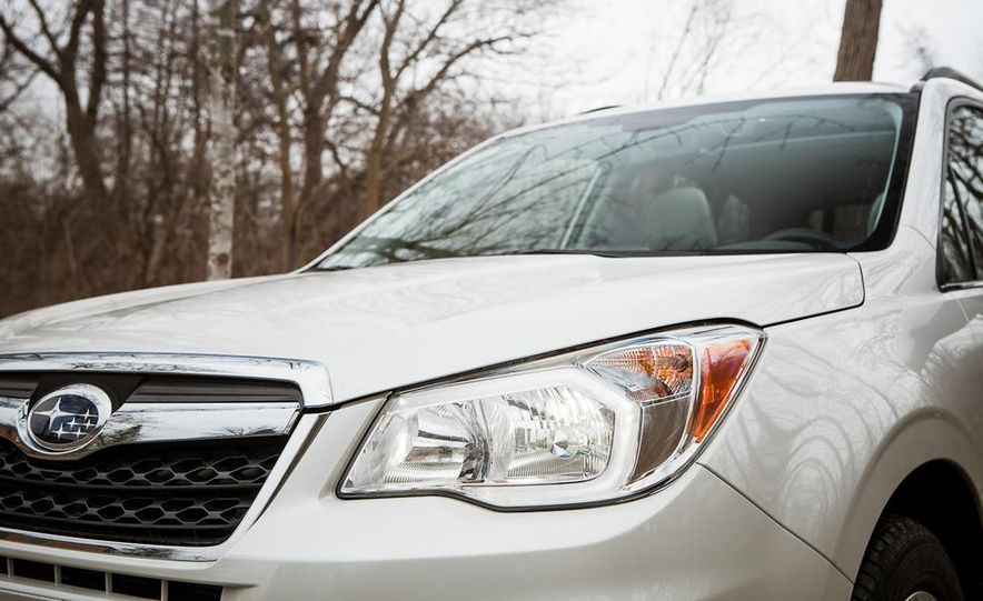 2014 Subaru Forester 2.5i Touring AWD - Slide 14