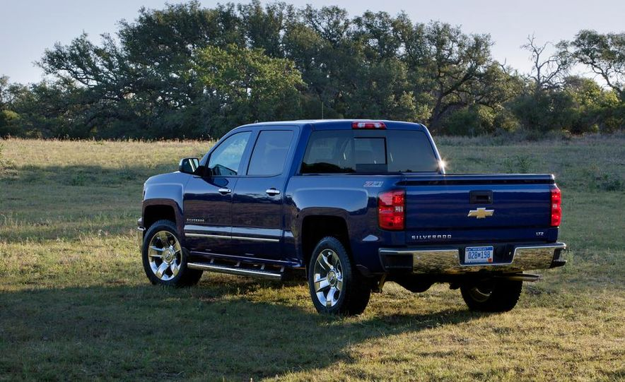 2014 Chevrolet Silverado High Country - Slide 18
