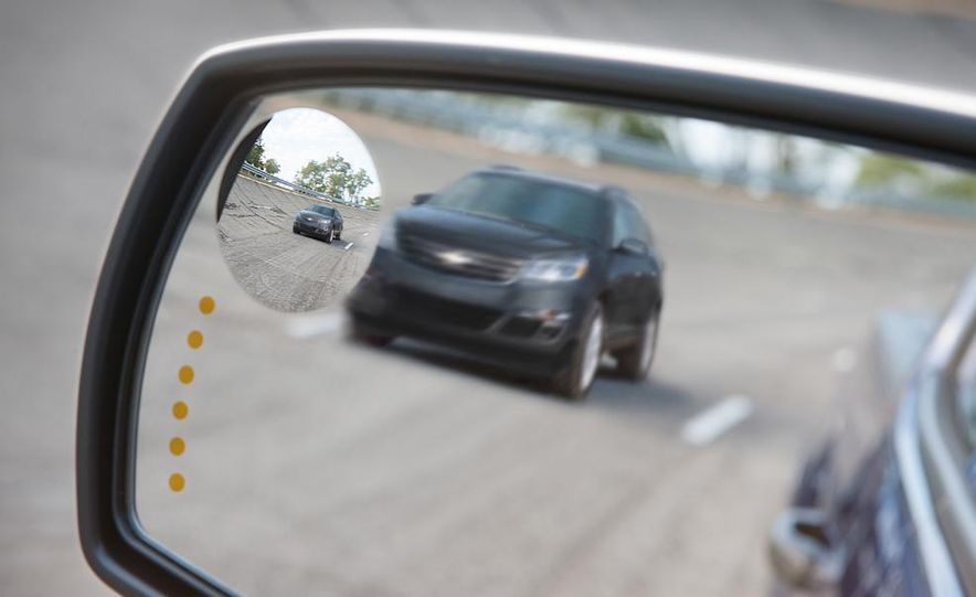 2014 Chevrolet Silverado High Country - Slide 25