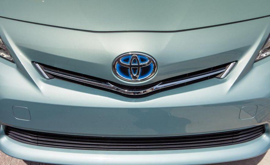 2013 Toyota Prius V - Slide 15